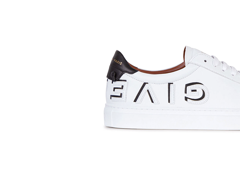 banner-shoes1